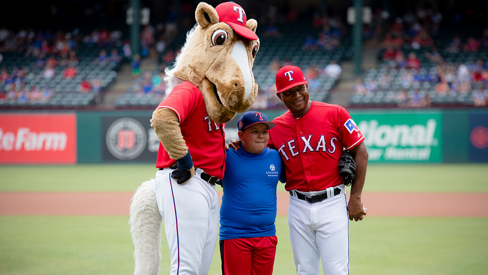 /images/r/2018-buckner-day-at-the-rangers-5/c960x540g1-0-5620-3160/2018-buckner-day-at-the-rangers-5.jpg