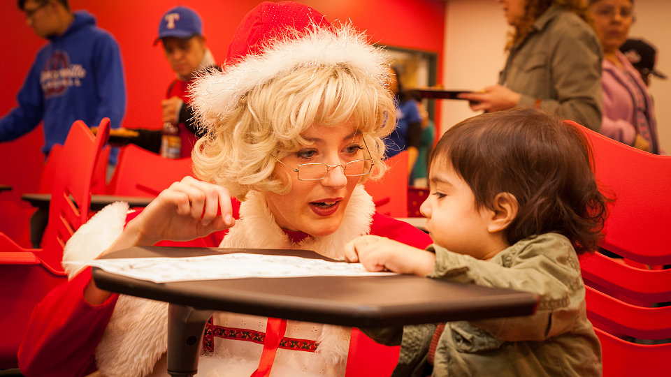 2018 family hope center at mlb christmas party mrs claus