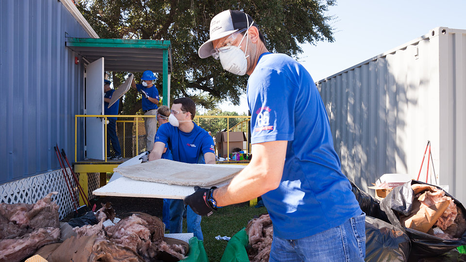 /images/r/aldine-harvey-cleanup-4/c960x540g0-213-4743-2885/aldine-harvey-cleanup-4.jpg