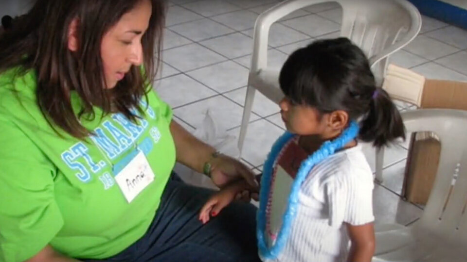 anna rodriquez ministers to women and children in houston