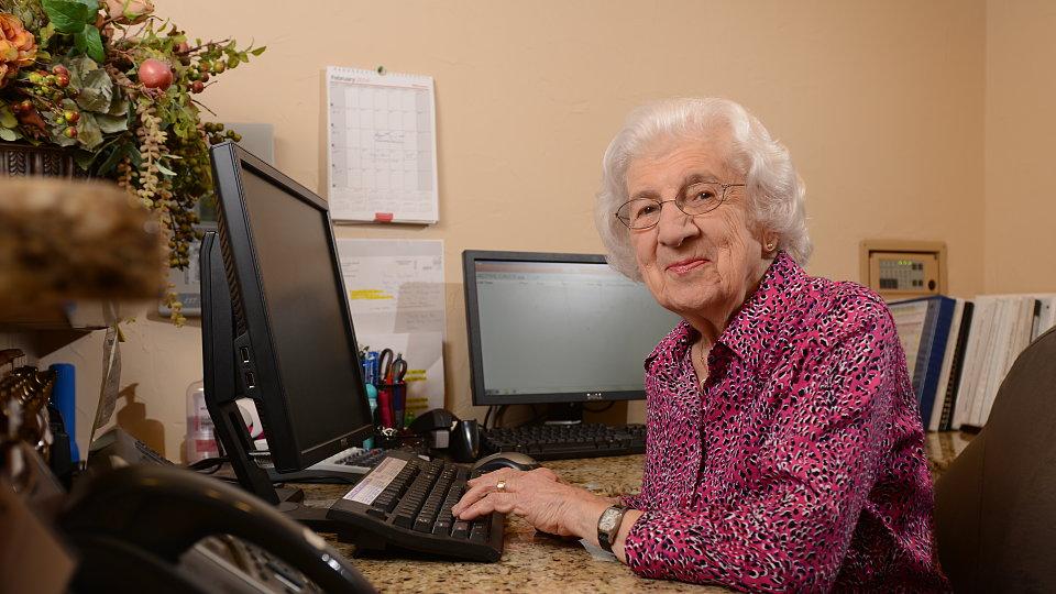 senior using the computer