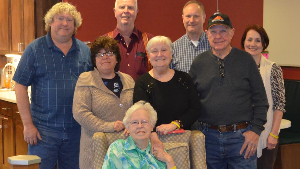 seniors celebrating.