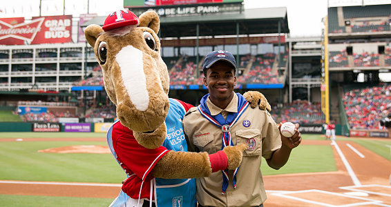 Texas teen collects shoes for Eagle Scout project, throws first pitch at Rangers game