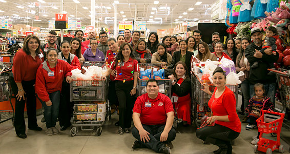 Friday photo: HEB gives shopping spree and gifts to 20 families in Rio Grande Valley