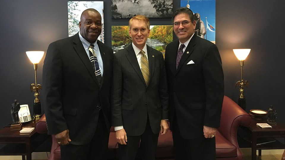 henry jackson senator lankford and dr albert reyes 4