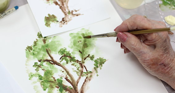 Retired artist leads painting classes at Parkway Place