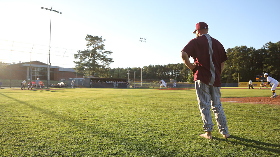 longview baseball coaches highlight need for shoes by going barefoot at game