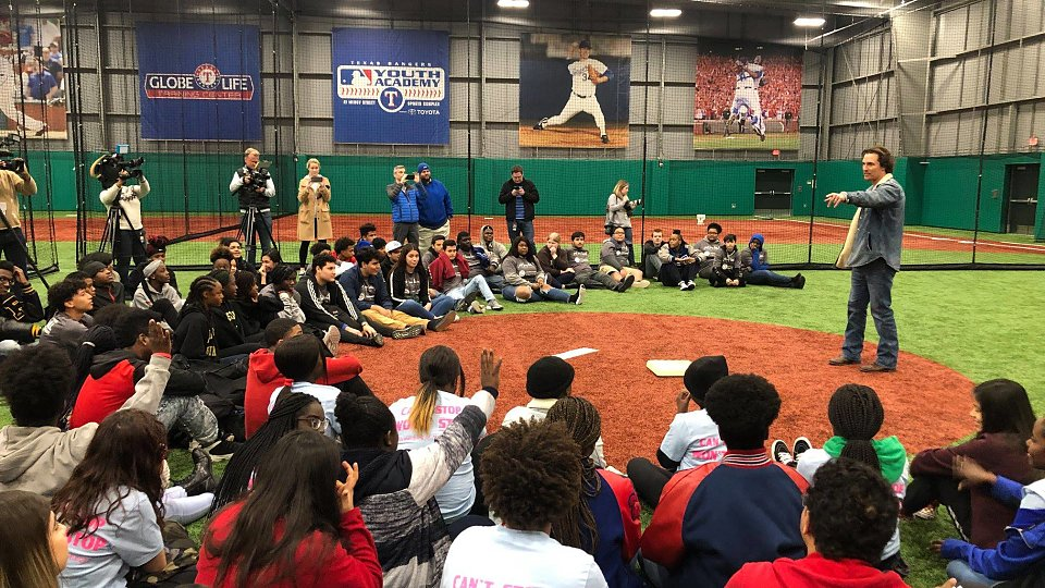 /images/r/matthew-mcconaughey-speaks-to-youth-at-texas-rangers-mlb-youth-academy/c960x540g0-167-2016-1301/matthew-mcconaughey-speaks-to-youth-at-texas-rangers-mlb-youth-academy.jpg
