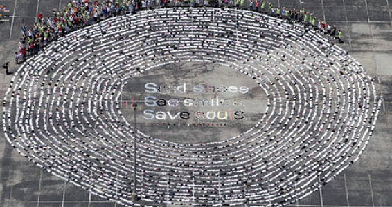 Houston Church Breaks World Record with Chain of Soles