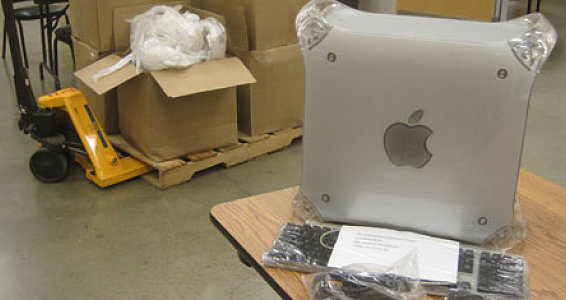 Mexico and Peru Programs Receive 30 Refurbished Apple Computers
