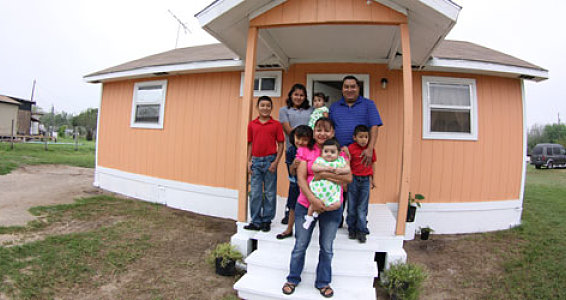 Full House: Family of eight fills home with love