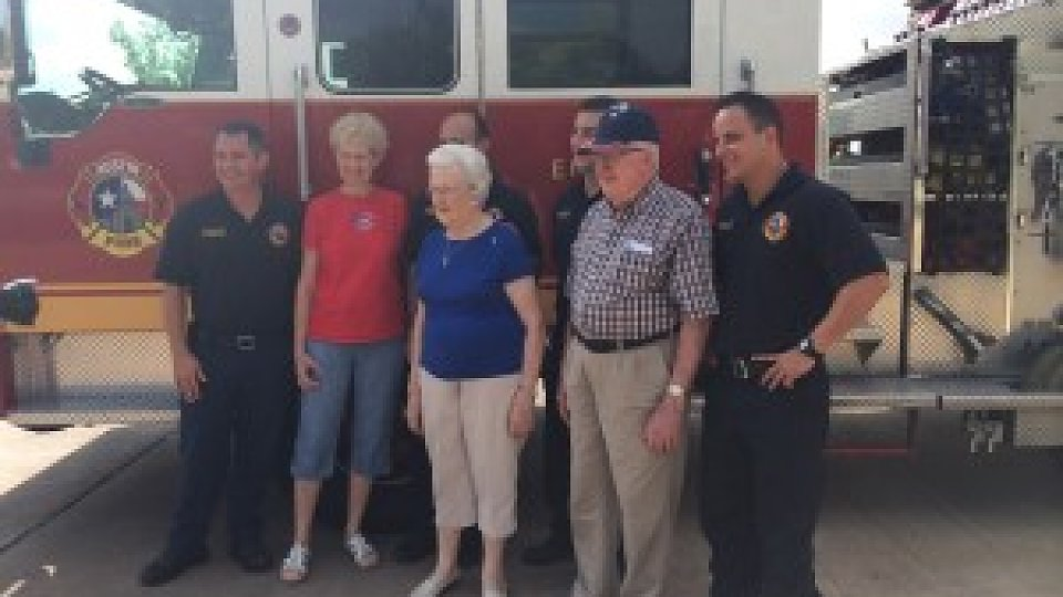 /images/r/media/image/2-Firemen-and-our-residents-300x225/c960x540/2-Firemen-and-our-residents-300x225.jpg