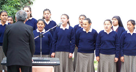 Buckner, First Lady Dedicate New Dormitories at Guatemalan Girls' Orphanage