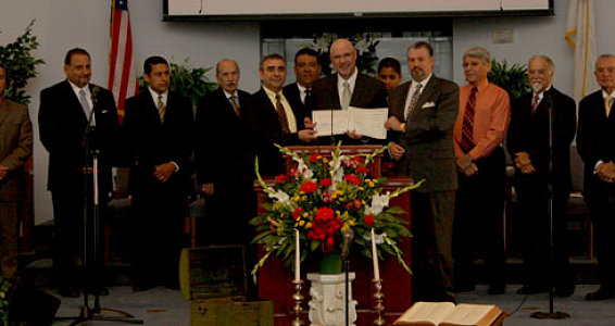 Buckner Signs Agreement with First Mexican Baptist Church