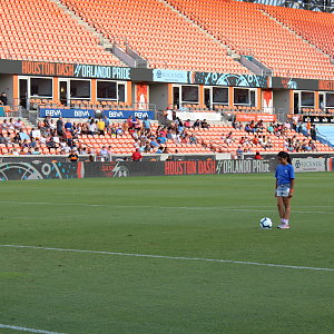 savanah-does-first-kick-at-buckner-night-at-houston-dash-5.jpg