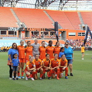 savanah-does-first-kick-at-buckner-night-at-houston-dash-9.jpg