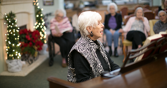 Carrying a tune: Retired music teacher brings music to Alzheimer's residents