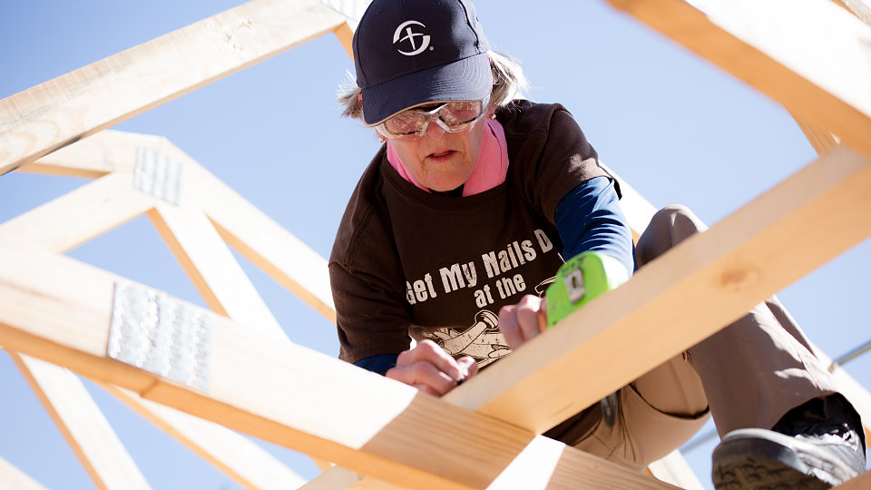 women from wmu build house for buckner families